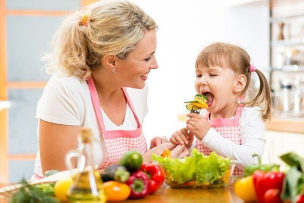 Tips to Make Your Children Eat Vegetables and Fruits